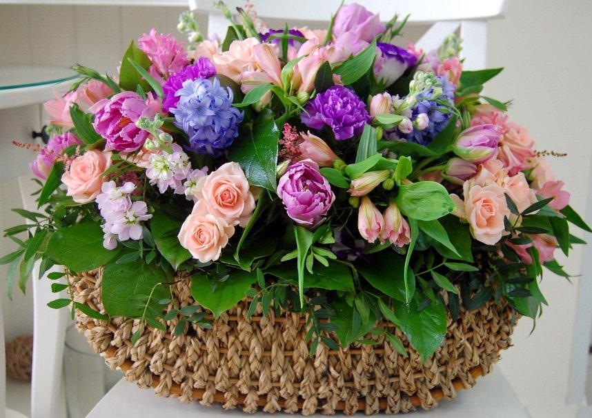 229250_basket-of-flowers_p.jpg